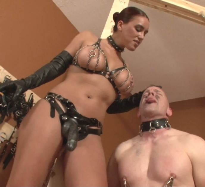 Megan Spits all day on Slave