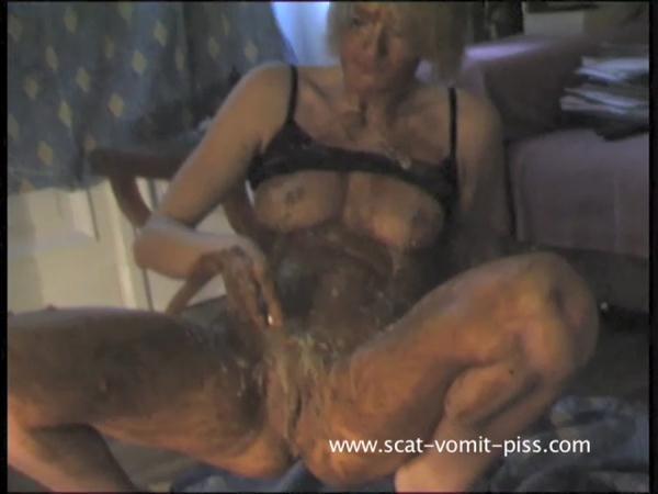 porn photo 2020 Finger wet asian pussy