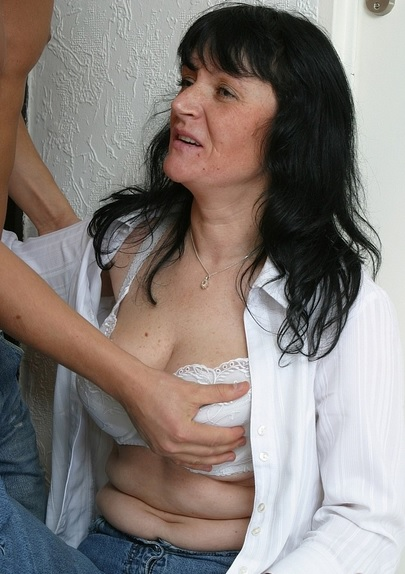 Saggy Breasted Mama Jana Take Home Fuck By Young Stud