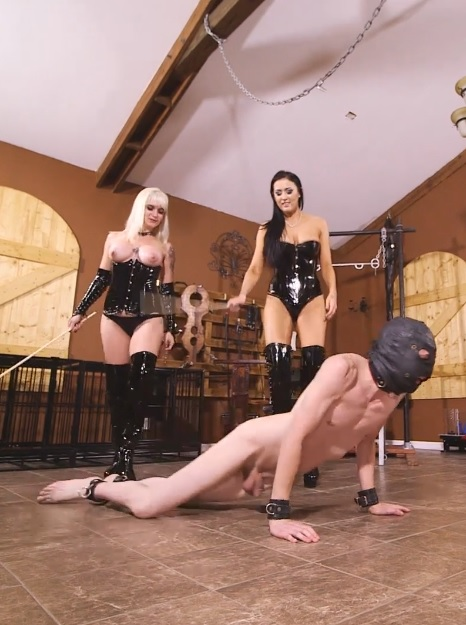 Alexis Grace has been showing visiting Mistress Dahlia Rain