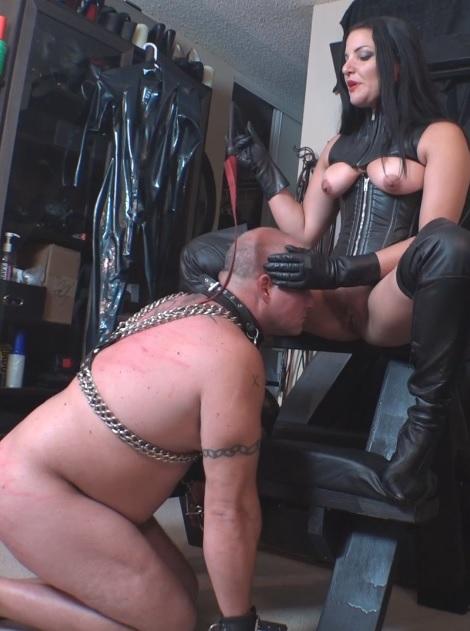 Michelle's Pleasure Slave 4: Ass Worship