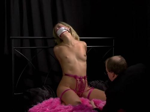 Arielle fetish bondage model