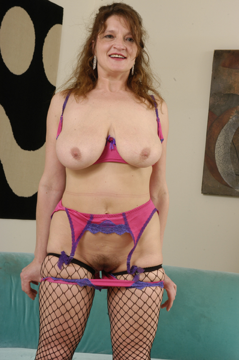 Anal lovers will just love Roxie!