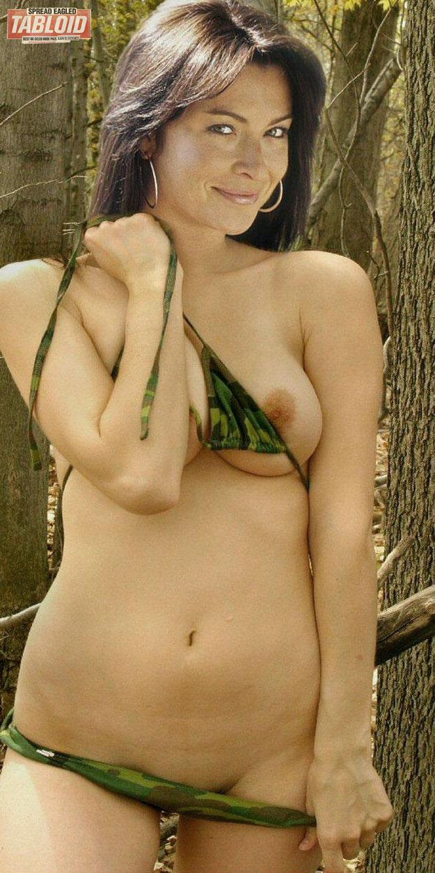 Model ebony naked