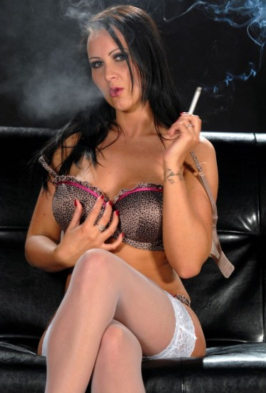 Amber Leigh horny while smoking