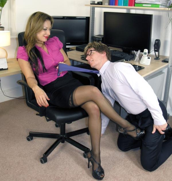 Мисстресс босс порно