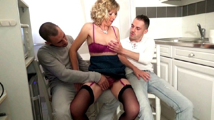 FRANCAISE GANG BANG ESCORT FOUGERES