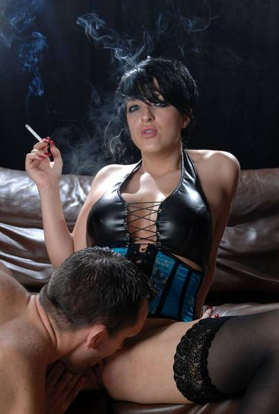 Tilly smoking sex