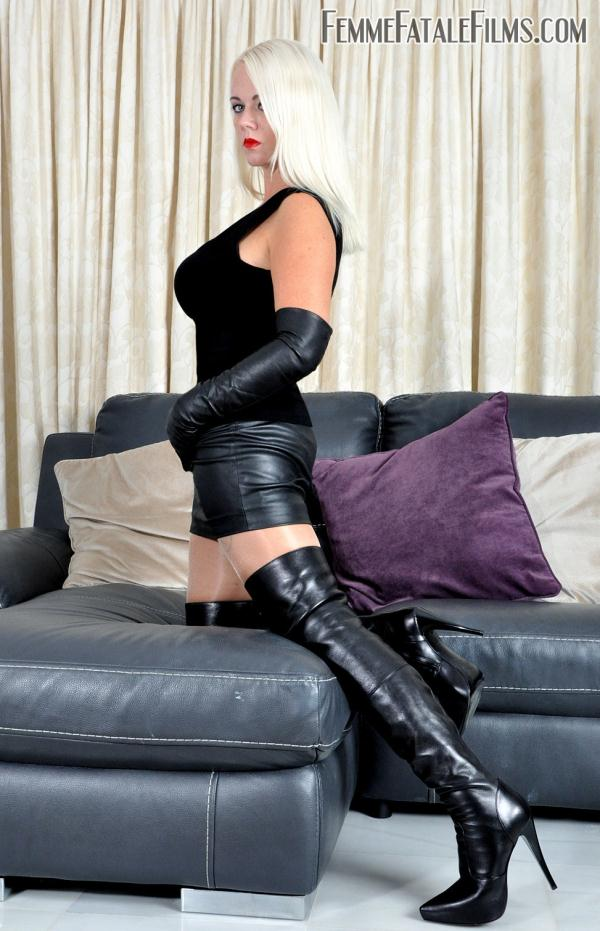 Boots mistress leather strapon