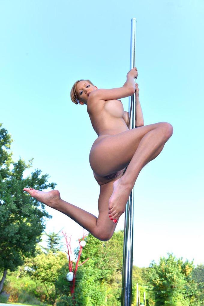 Порно девки зажигают с стриптизером правило, метод