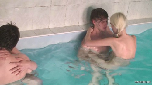 amateur russian teens banged in the swimming pool