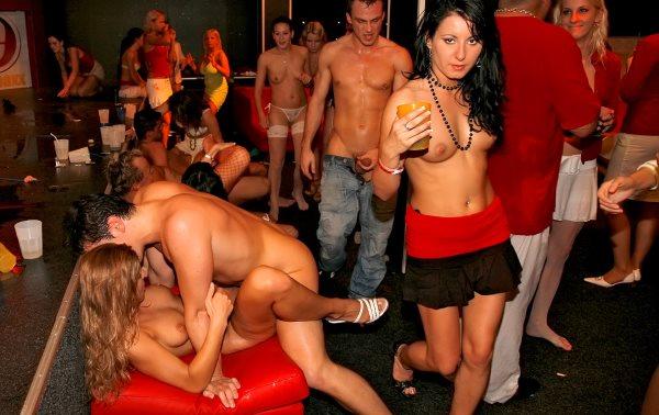 в клубе свингеров фото