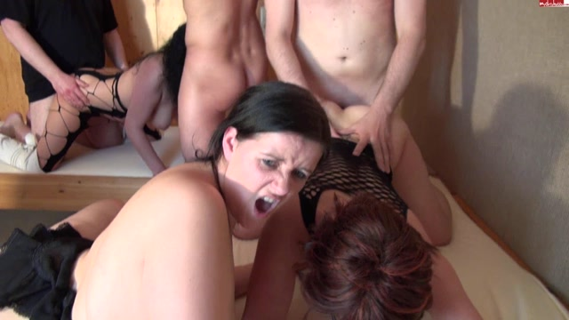 Free swinger gangbang videos