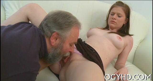 porno-stariki-sosushie-grud