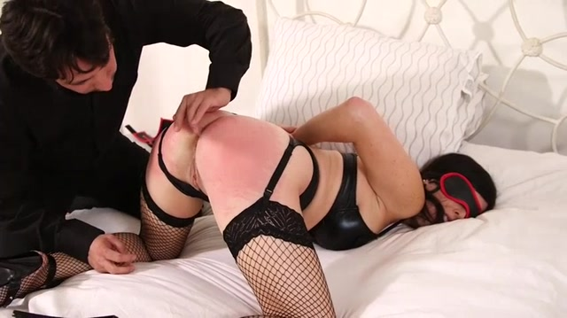 cougar dating bondage set