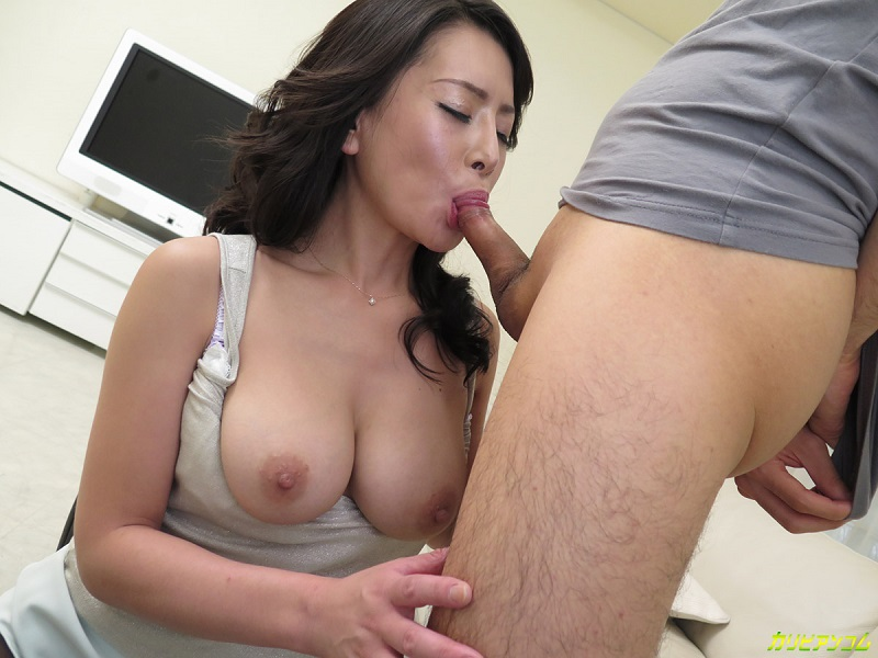 Chinese granny giving an awesome blowjob 7