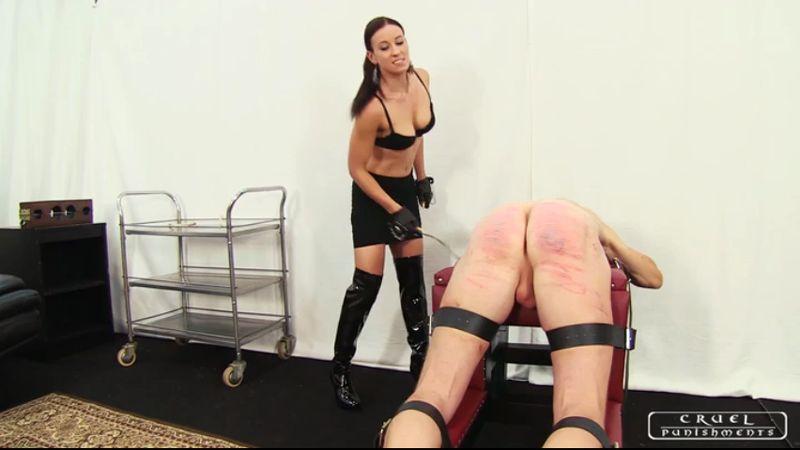 Spanking sexy ladys naked on spanking bench 9