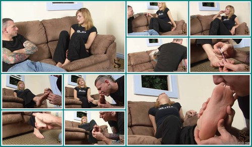 FOTFETISH 4-boyfriend tued footboy