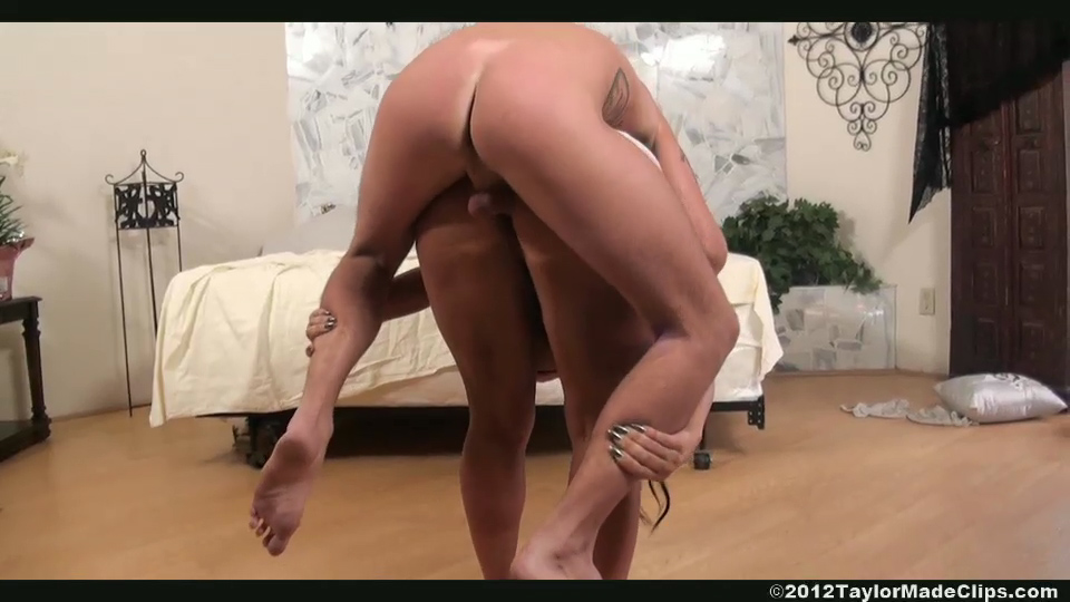 Tall Guys Bubble Butt Fuck