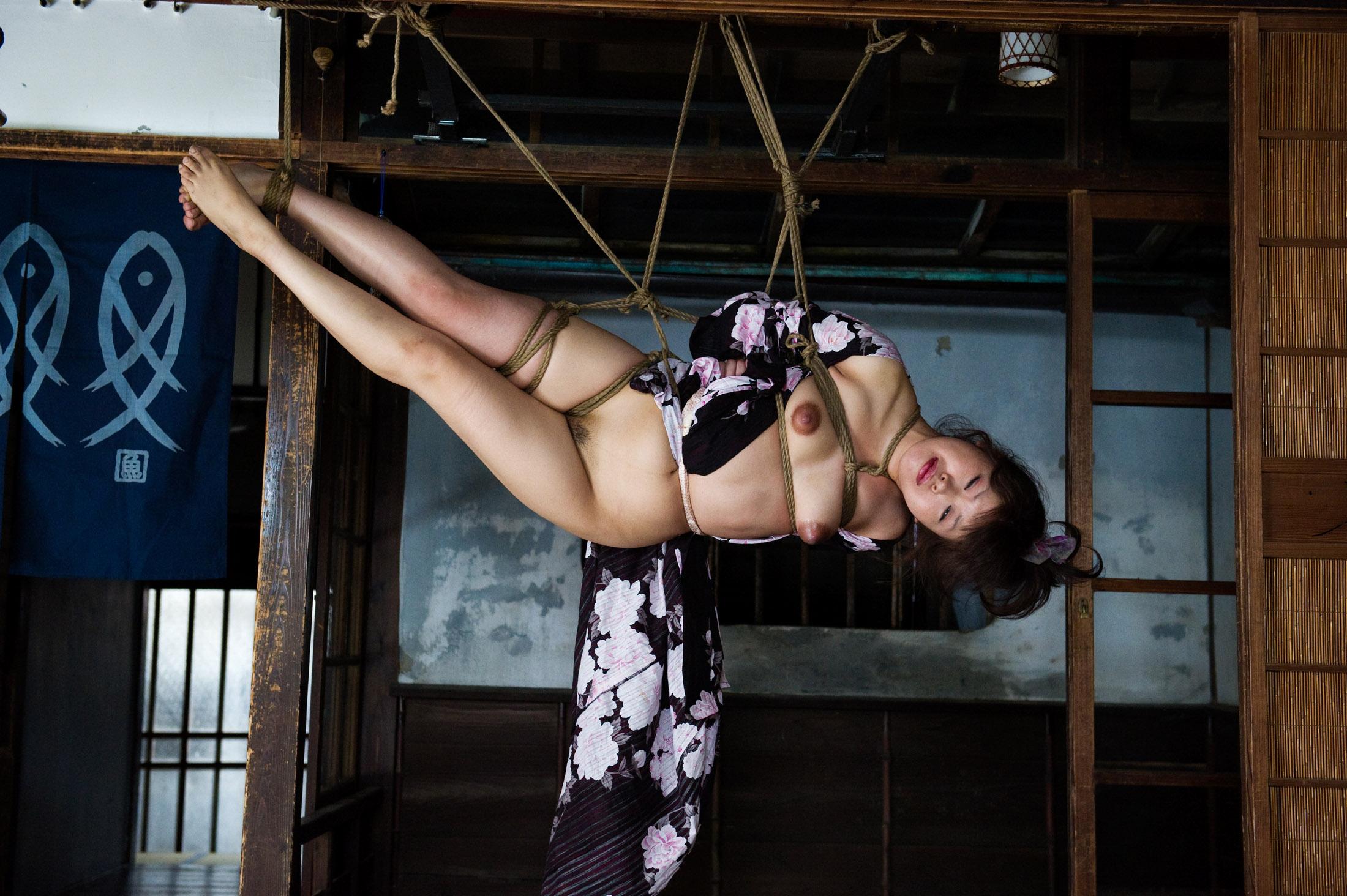 Fka twigs pendulum by fka twigs