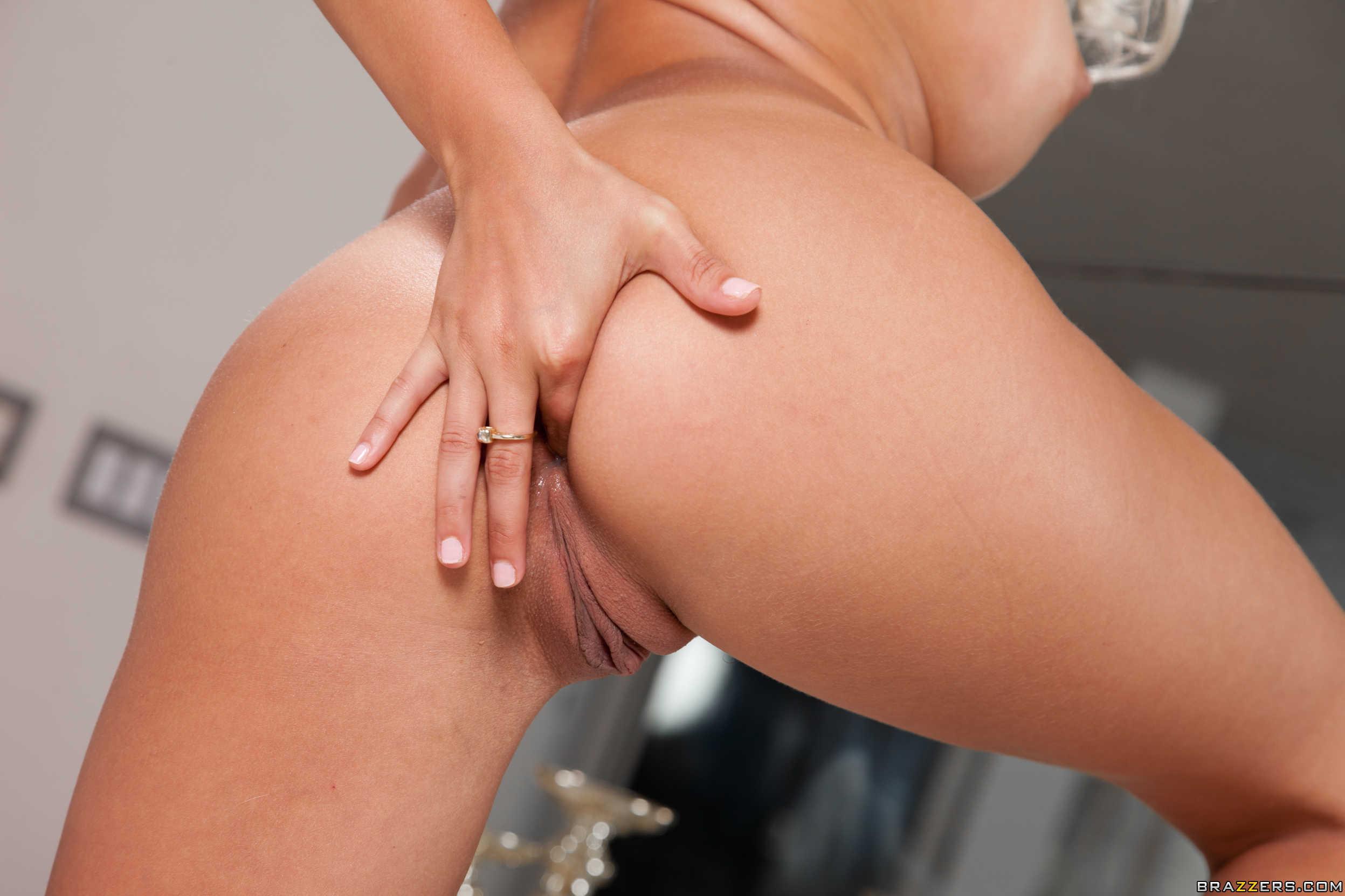 Marsha May muestra su culo magnífico