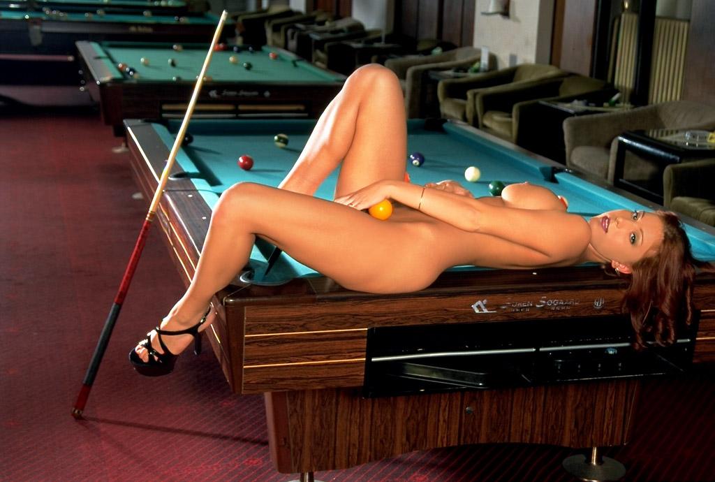 Naked Billiards With Suzanna