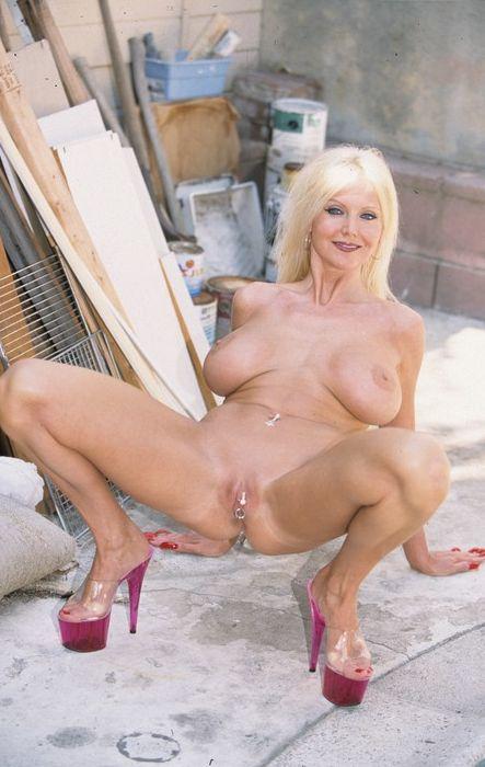 Free naked live blonde girl webcams