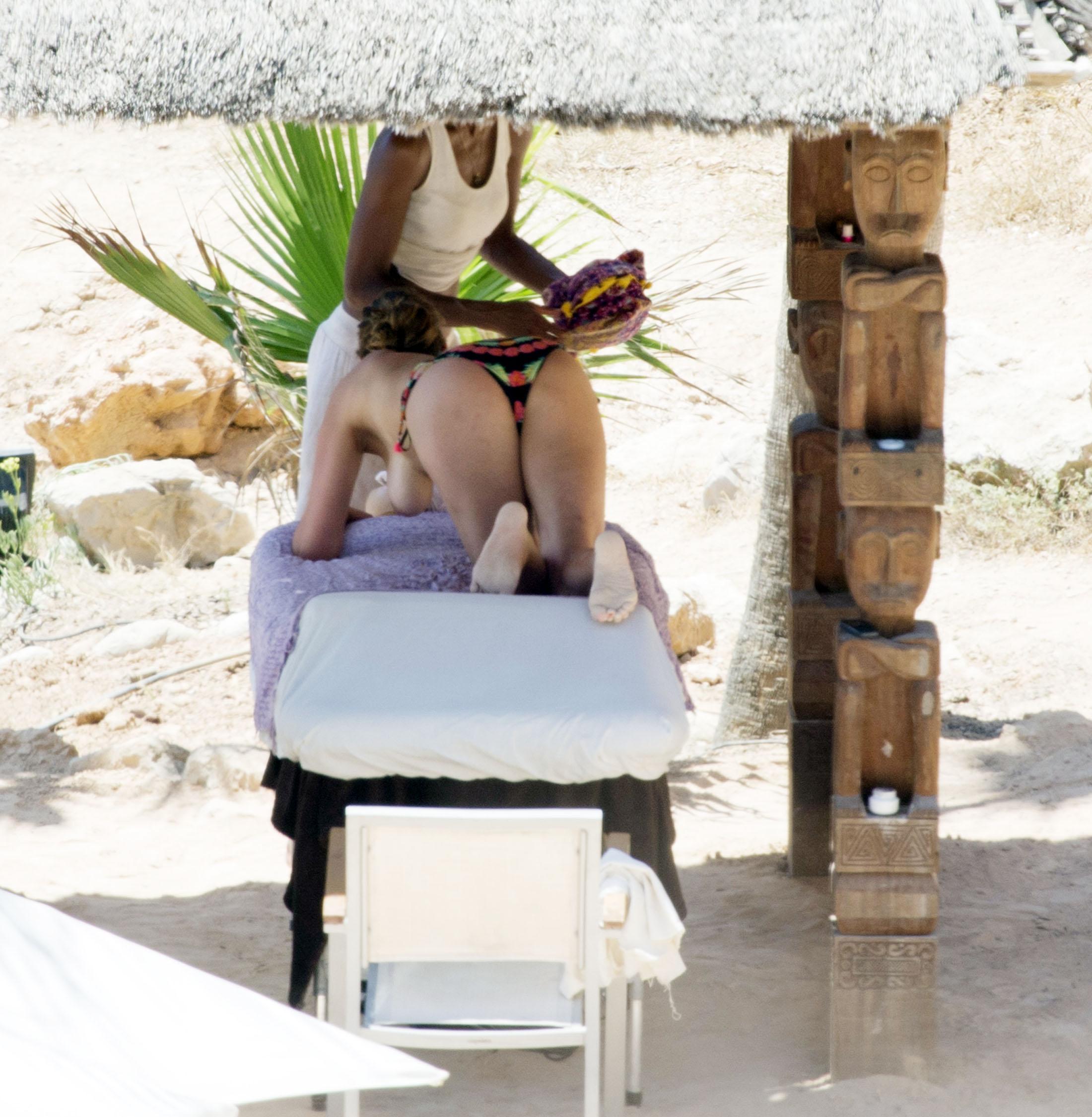 Lisa Snowdon Topless Massage