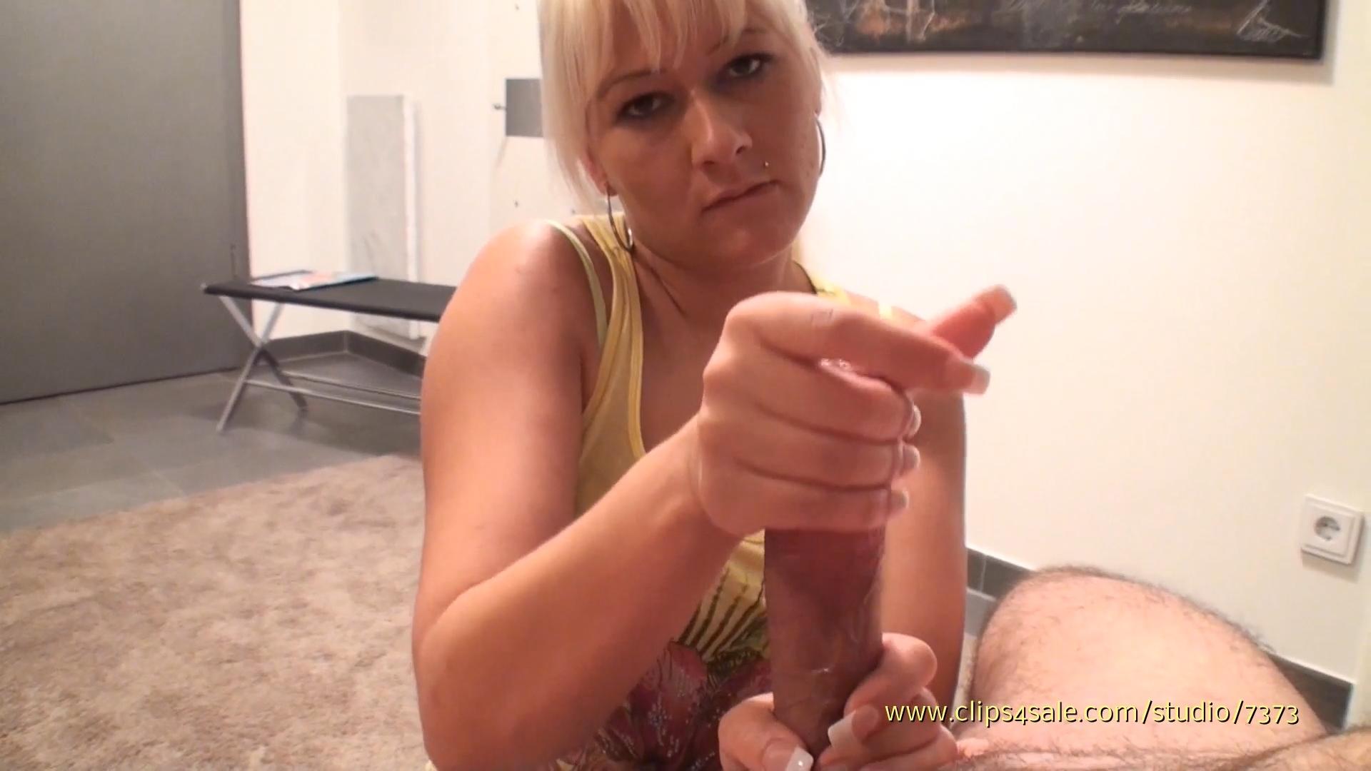 Kinky Handjob Cumshot Sample Clips